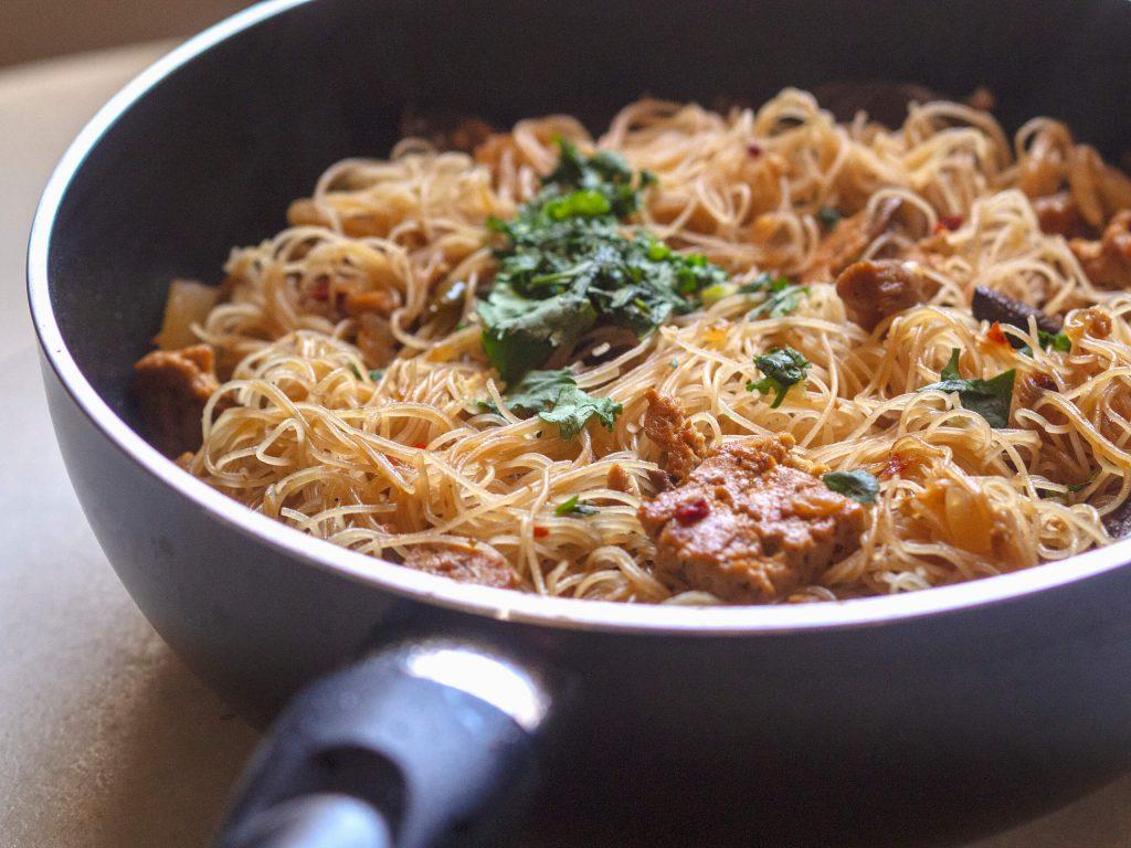 noodles con tofu marinado