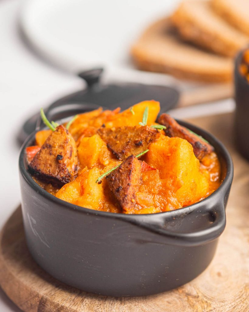 guiso de patatas y tempeh